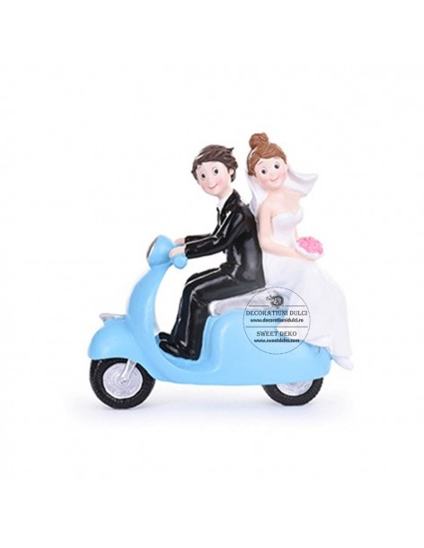 Bride and Groom Topper scooter