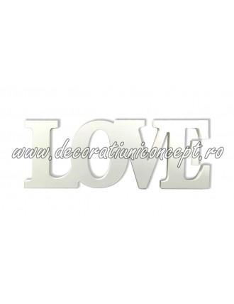 Dcarrative letters LOVE