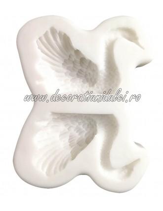 Dimensional mold swan