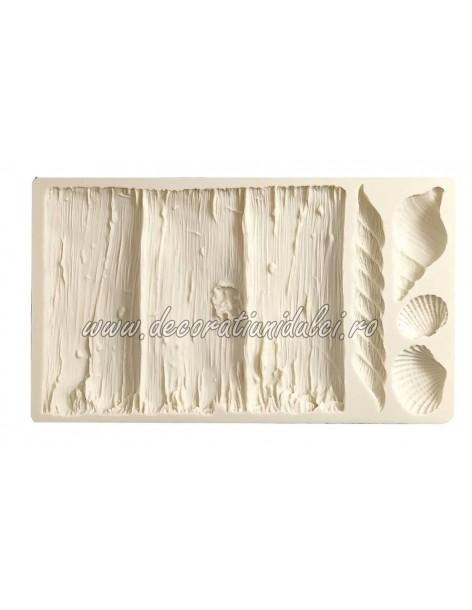 Mold bark and shells
