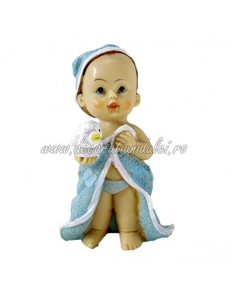 Figurine baby, first bath